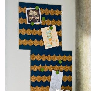How to decorate a corkboard with scallop...