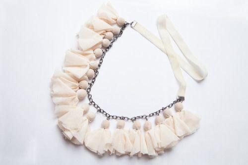 colier organza - 30 lei  ——  organza necklace - 7 euros