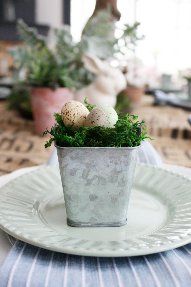 Easter Table Decor | Tablescapes | Easter table decorations ...