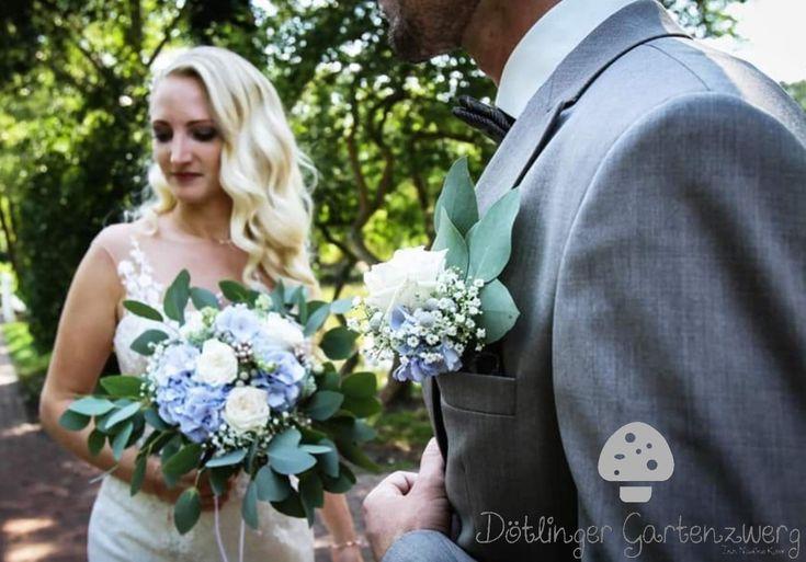 Brautstrauss und Boutoniere in blau weiss mit Hortensien, Schleierkraut und Eukalyptus  – Brautstrauss by Dötlinger Gartenzwerg