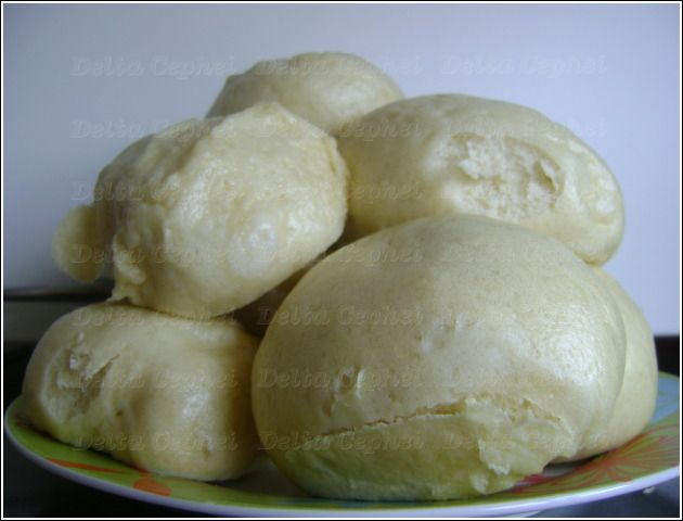 Broodje Bapao (Recipe in Dutch) chinese/indonesian steamed bread with meatfilling