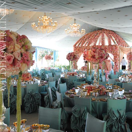 Some of the most beautiful party tables that I've ever seen.