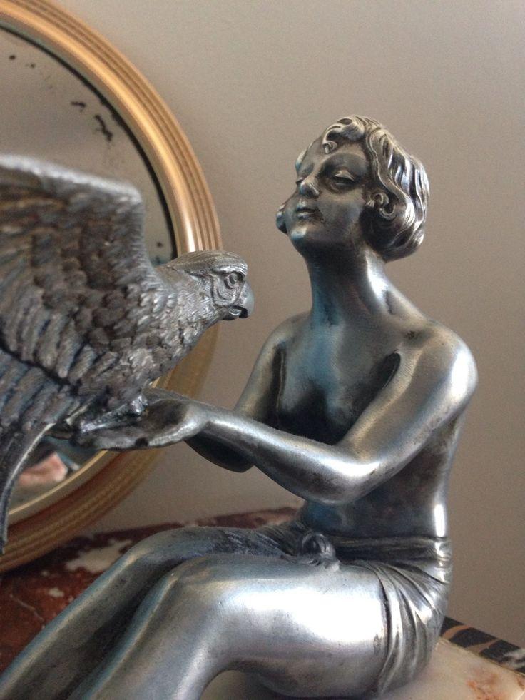 Magnifique bronze argenté d'une belle garçonne au perroquet art déco de la boutique LesPierreVintage sur Etsy