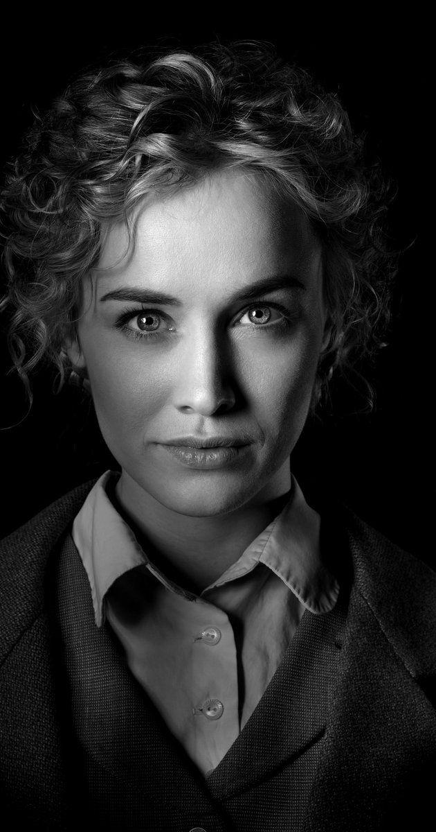 Pictures & Photos of Dominique McElligott - IMDb