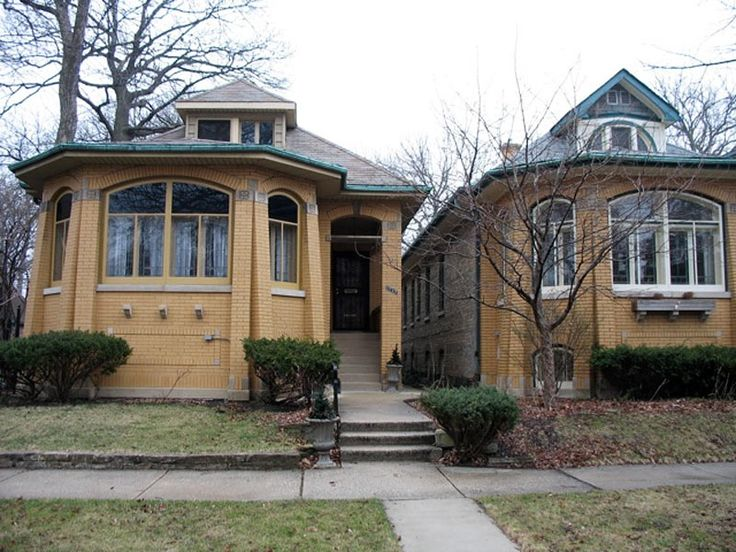17 best images about craftsman and bungalow houses on for Bungalow house chicago