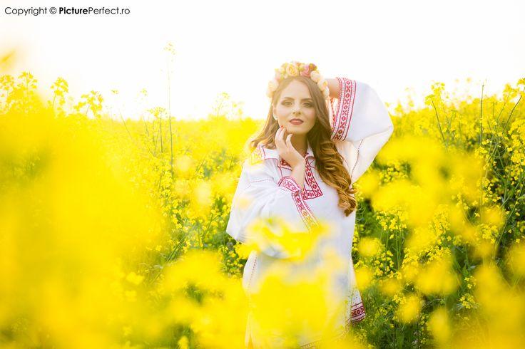 Verona Adams - solista de muzica populara si usoara la evenimente si spectacole.   Verona Adams - singer, songwriter, all-round artist based in Romania.   https://www.facebook.com/veronaadamsmusic/ Photography by www.pictureperfect.ro