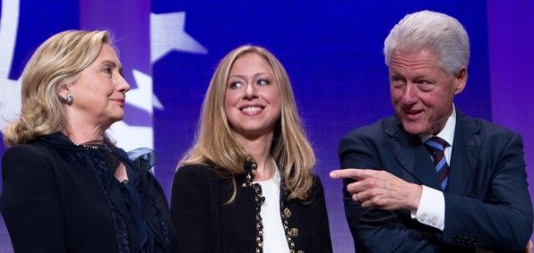 Wall Street analyst: 'Shut down Clinton Foundation' Prominent D.C. attorney joins in call for criminal investigation.