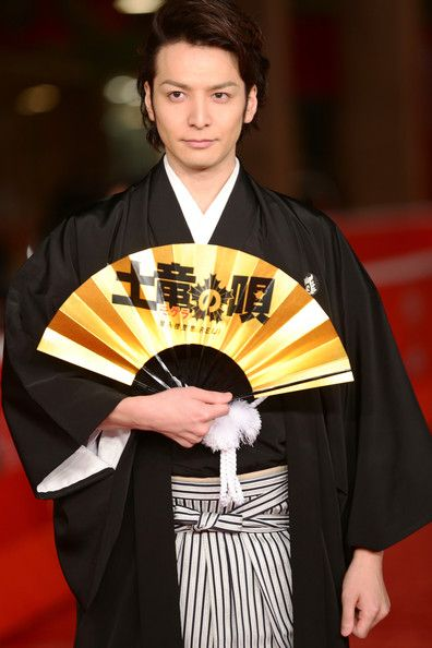 Toma Ikuta handsomely in Hakama (men's traditional clothes) in Rome Film Festival