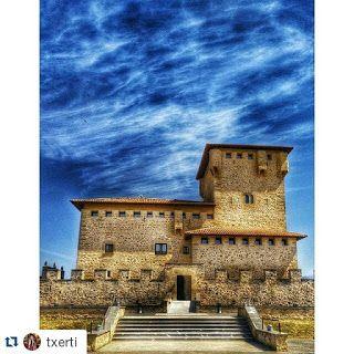 ¿Salimos hoy en Vitoria? Blog de turismo dedicado a Vitoria - Gasteiz y a su provincia Alava: TORRE PALACIO DE LOS VARONA