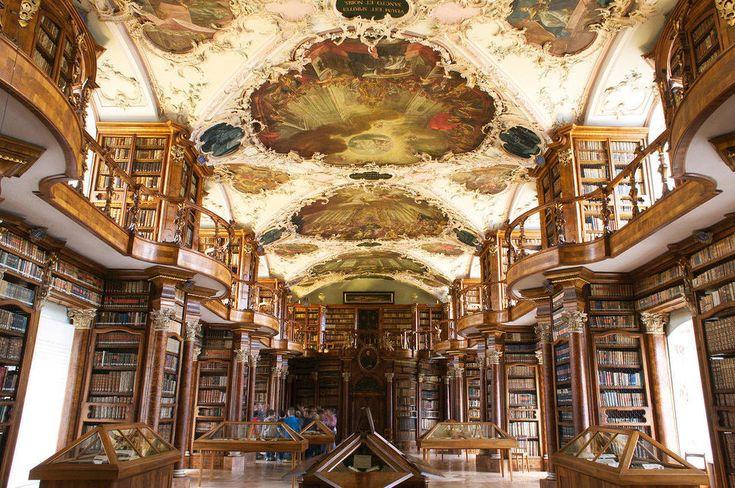 La Bibliothèque abbatiale de Saint-Gall, Suisse