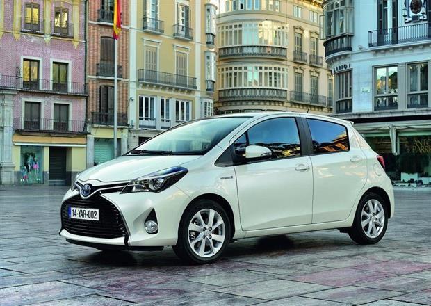 La Toyota Yaris Hybrid : découvrez la vite, on en loue sur Drivy, par exemple ici : https://www.drivy.com/location-voiture/vitry-sur-seine/toyota-yaris-hybride-km-illimites-32563