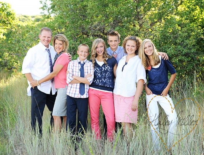 Family picture clothes by color pink