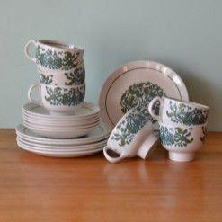 Vintage Ridgway Ironstone Martinique tea cups & saucers