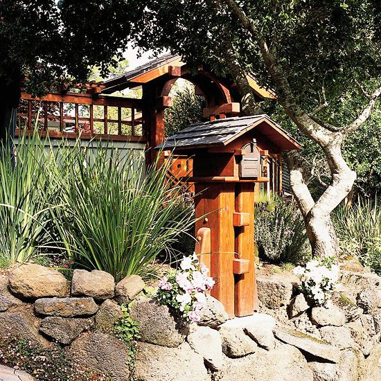 (project idea for this fall..do roof but make pedestal in a more rustic style using some of the old split rail fence materials)