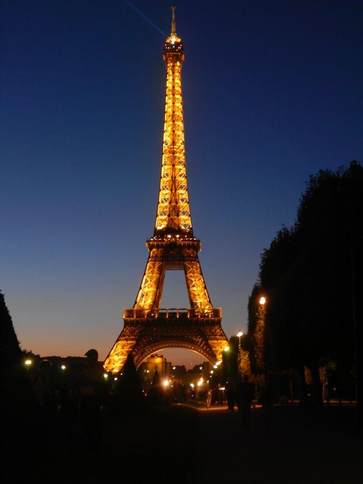 #TourEiffel by night!