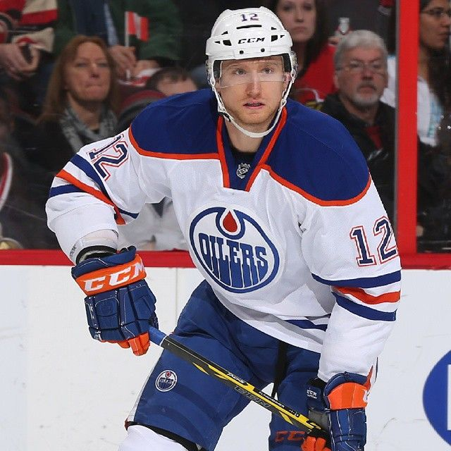 On January 2, 2015, Rob Klinkhammer and a first-round pick in 2015 were traded to the Edmonton Oilers in exchange for David Perron. On February 20, Klinkhammer signed a one-year, $650,000 contract extension with the Oilers, keeping him with the organization through to the conclusion of the 2015–16 season.