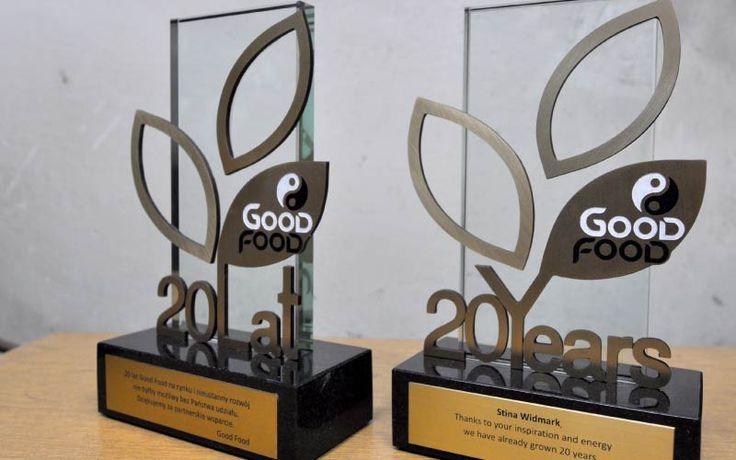 Statuetka przygotowana z okazji 20 lecia firmy Good Food. Statuetka została zaprojektowana przez naszą firmę. Nagroda składa się z kamienia, szkła oraz mosiądzu.