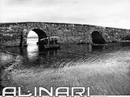 Ponte Romano nell'Isola di Sant'Antìoco, in Sardegna.   Alinari Shop