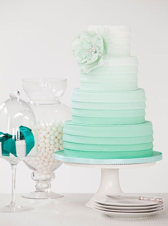 Mint ombre cake | Image from MyWedding