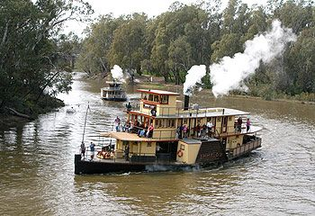 Echuca, Victoria - Australia.. Paddle streamer along the Murray River