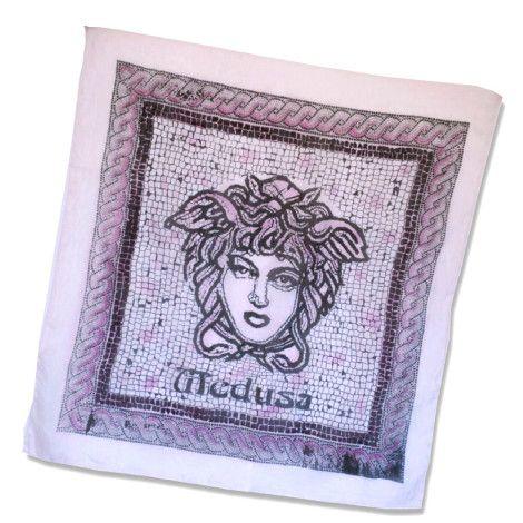 Elegantná hodvábna šatka PURPLE MEDUSA  z prírodného hodvábu, veľmi jemná na dotyk.  Inšpiráciou tejto maľby bola grécka mytológia.  http://bit.ly/1nM7K32