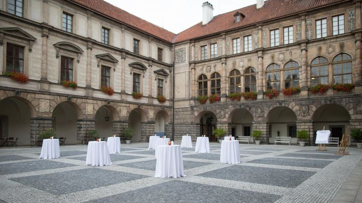 Reception in the courtyard of Nelahozeves Castle
