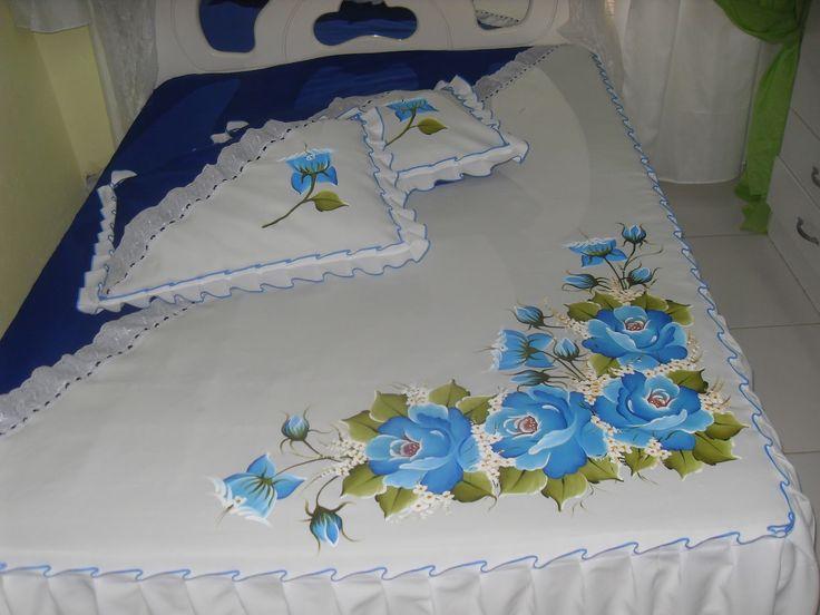 Ateliê As Marias: Colcha com flores pintada