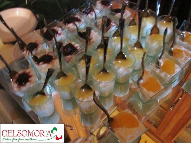 Mousse cremosa con confettura di pesche e prugne e marmellata di limoni Gelsomora