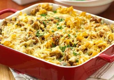 Creamy mushroom and pork pasta bake