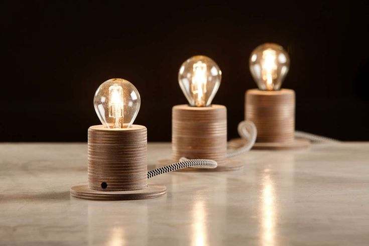 Li.Mod.Ros.T3   Expandable lamp for tabletop, floor or wall mounted use. Base lamp of 2 units with the option of adding as many extensions as desired.