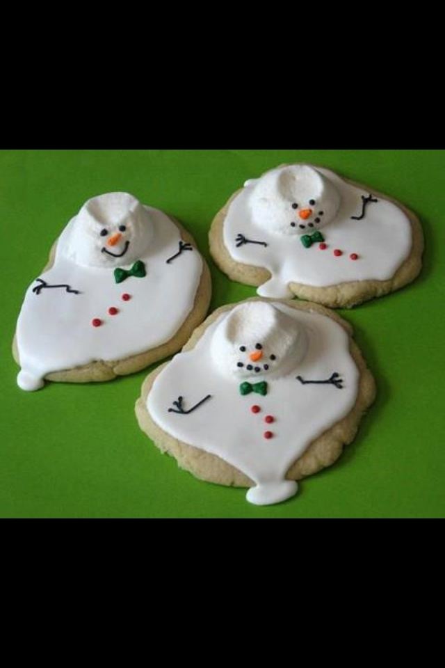 Melted snowman cookies - Could use this idea to make ghost cookies for Halloween also. :)