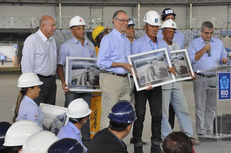 Prefeito Eduardo Paes, e o presidente do Comitê Rio 2016, Carlos Arthur Nuzman, recebem jornalistas, no Parque Olímpico da Barra da Tijuca, para agenda que marca um ano para os Jogos Olímpicos