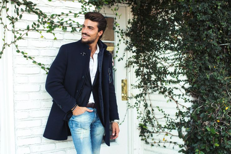 Casual urban-chic look for Mariano Di Vaio wearing Fay Double Coat from Fall - Winter 2015/16 collection. An essential item for his cosmopolitan and dynamic lifestyle.