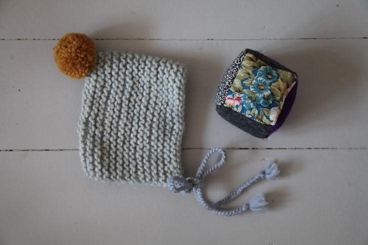 easy to knit baby hat www.junkaholique.com