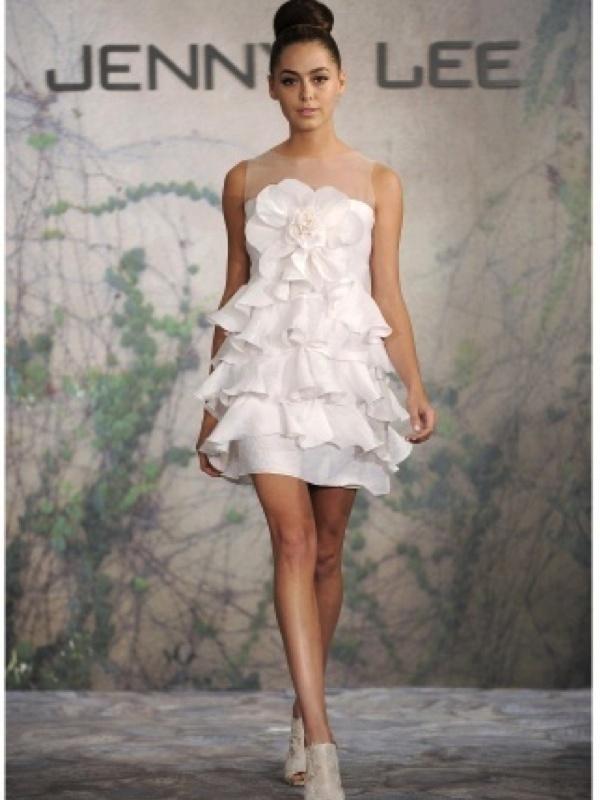 119 best Wedding dress images on Pinterest | Short wedding gowns ...