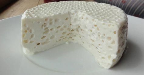 Fiz aqui em casa um delicioso queijo caseiro simples, ele é super fácil de fazer por que leva apenas 3 ingredientes. Queijo Caseiro Com 3 Ingredientes