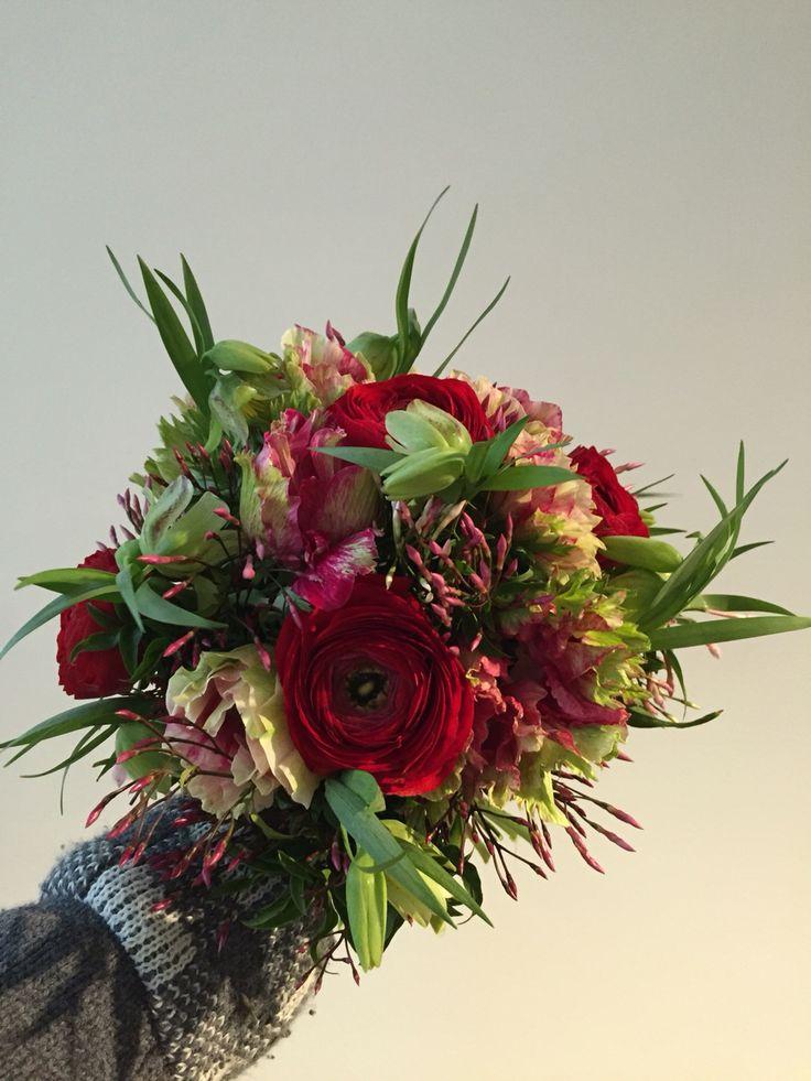 Brautstrauss von buntBund floristik in Aarau - mit viel liebe zum detaill kreieren die Floristinnen für jede Braut den passenden Strauss