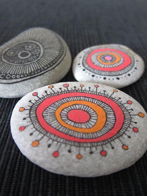Zen-Malerei auf Steinen