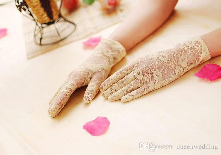2015 Short Lace Full Fingers Wedding Gloves 8 In Fomal Ladies Lingerie Evening Costume Gloves Fingered White Wedding Gloves For Bride Wedding Lace Gloves From Queenwedding, $3.02| Dhgate.Com