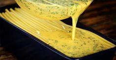 Tedd a tésztát sütőformába, öntsd rá a szószt és 40 perc múlva kész is a világ legfinomabb étele! - Ketkes.com