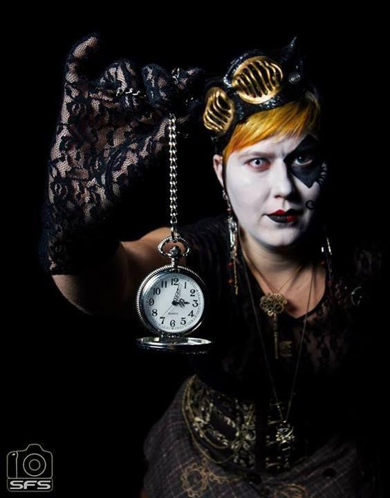 Masquerade tapahtuman promokuvaus, Meikki: Helene Hertell, Kuva: Syed Faisal Shah