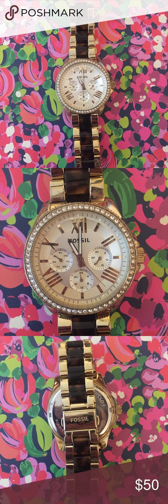Fossil Tortoise & Gold Boyfriend Watch Great condition! All pave stones intact! Fossil Jewelry