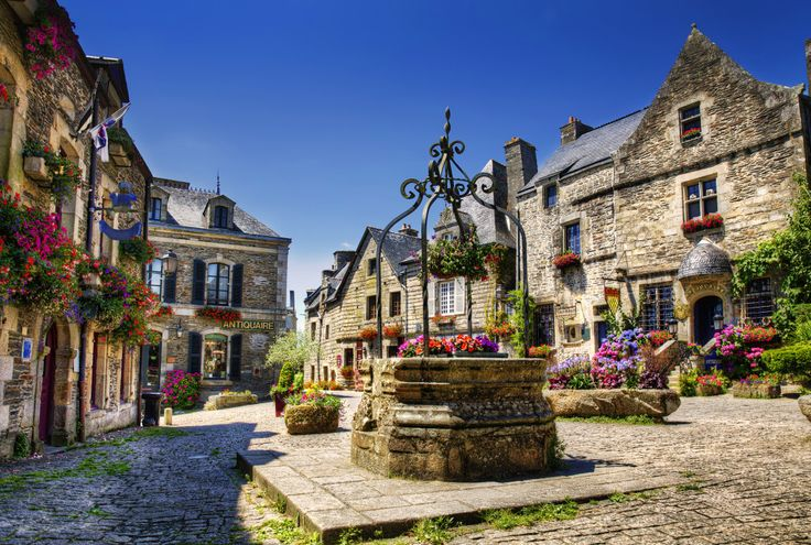 Rochefort En Terre, Brittany, France jigsaw puzzle in Flowers puzzles on TheJigsawPuzzles.com