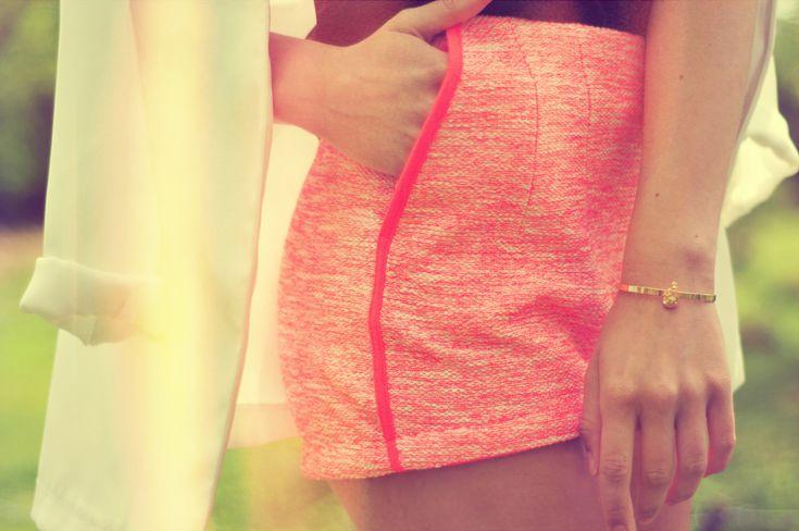 Shorts from HSpringsummer Fashion, Tweed Fashion, Neon Shorts, Free Blog, Fashion Episode, Clothing Inspiration, Start Blog, Shorty Shorts, Lisaplace Devotions Se