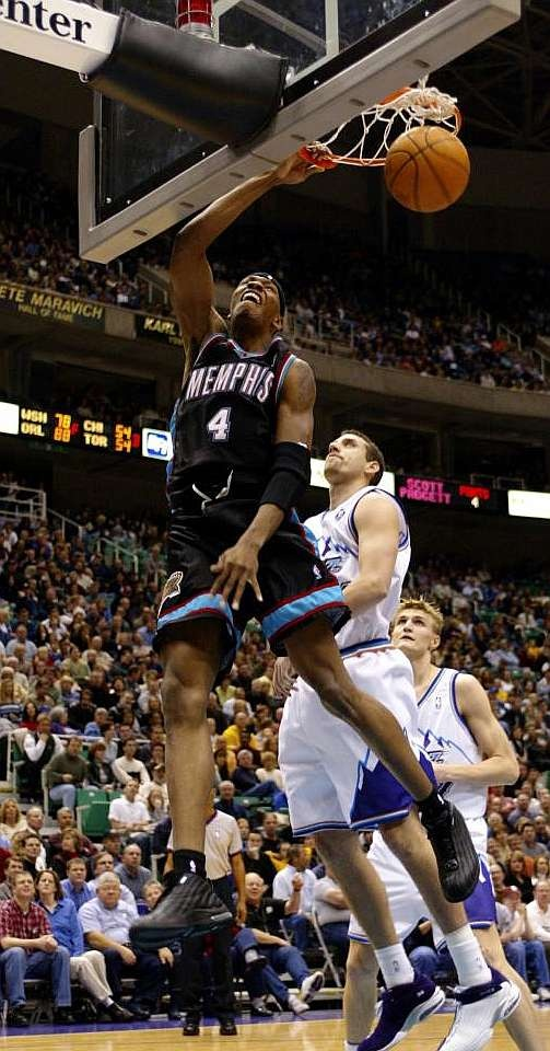 Stromile Swift Memphis Grizzlies Scott Padgett Andrei Kirilenko Utah Jazz