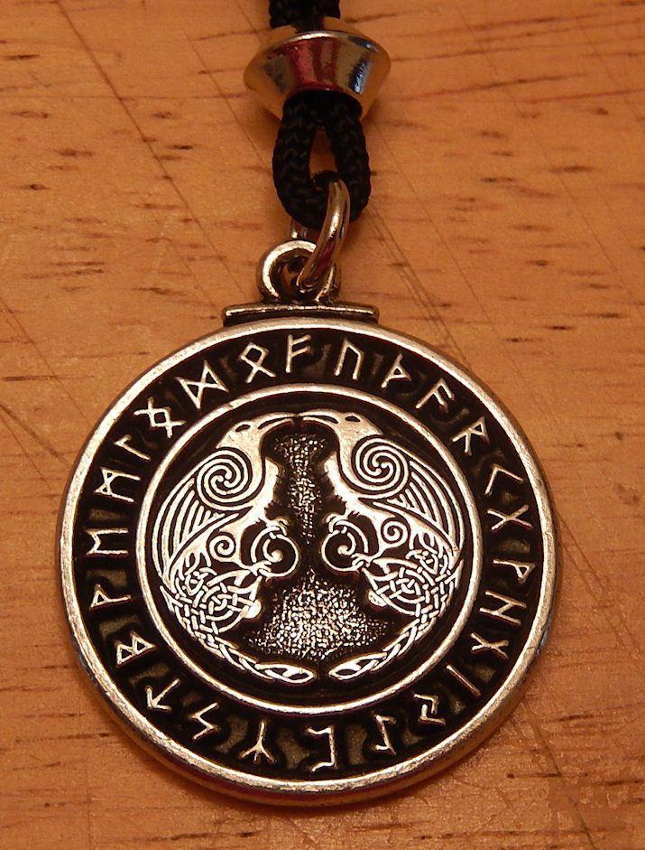 Viking raven pendant rune necklace norse warrior odin 39 s ravens runic amulet mythologie - Tatouage rune viking ...