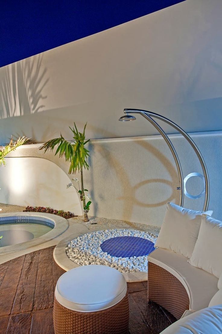 Albercas de estilo moderno por Arquiteto Aquiles Nícolas Kílaris #casasmodernasalberca