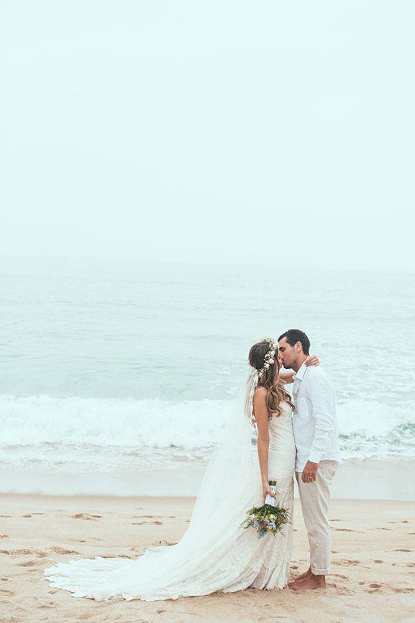 casamento-praia-vestido-casa-amarela-yolan-cris