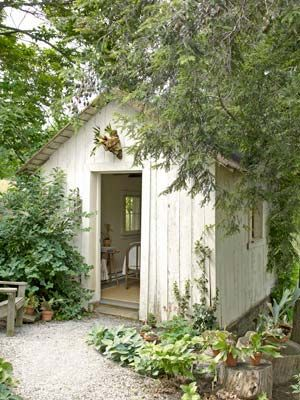 Garden Sheds, White Gardens, Guest Room, Decor Ideas, Guest Cottages, Guest House, Country Living, Gardens House, Gardens Sheds