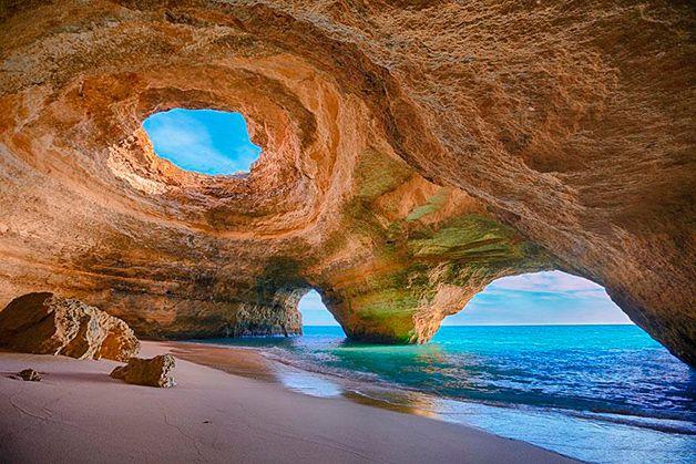 Algar de Benagil Algarve-Portugal